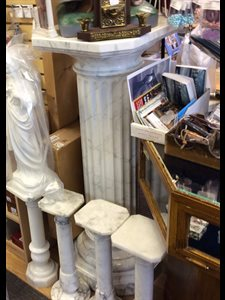 "Plaster Marble Imitation Stand For Statue, 48"" (122 cm)"